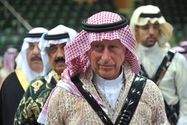 El heredero al trono británico ya busca aliados para la guerra