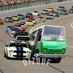Un microbusero, nueva promesa del NASCAR 3