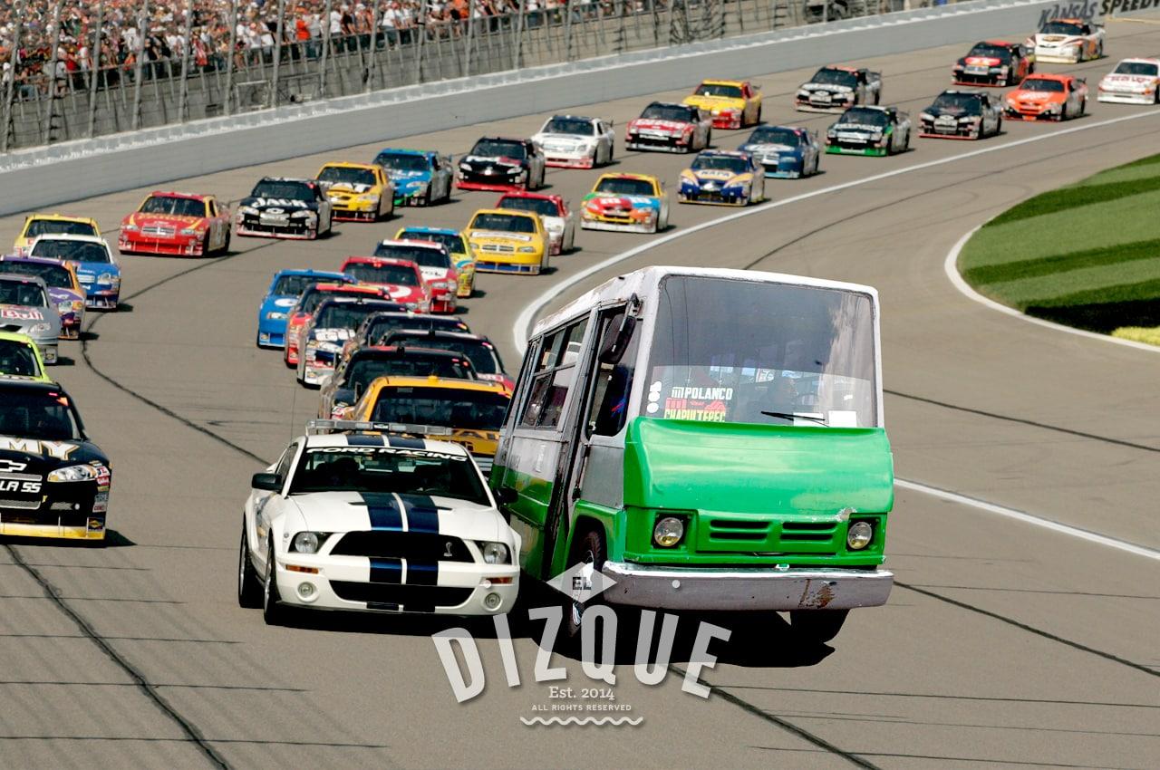 Un microbusero, nueva promesa del NASCAR 1