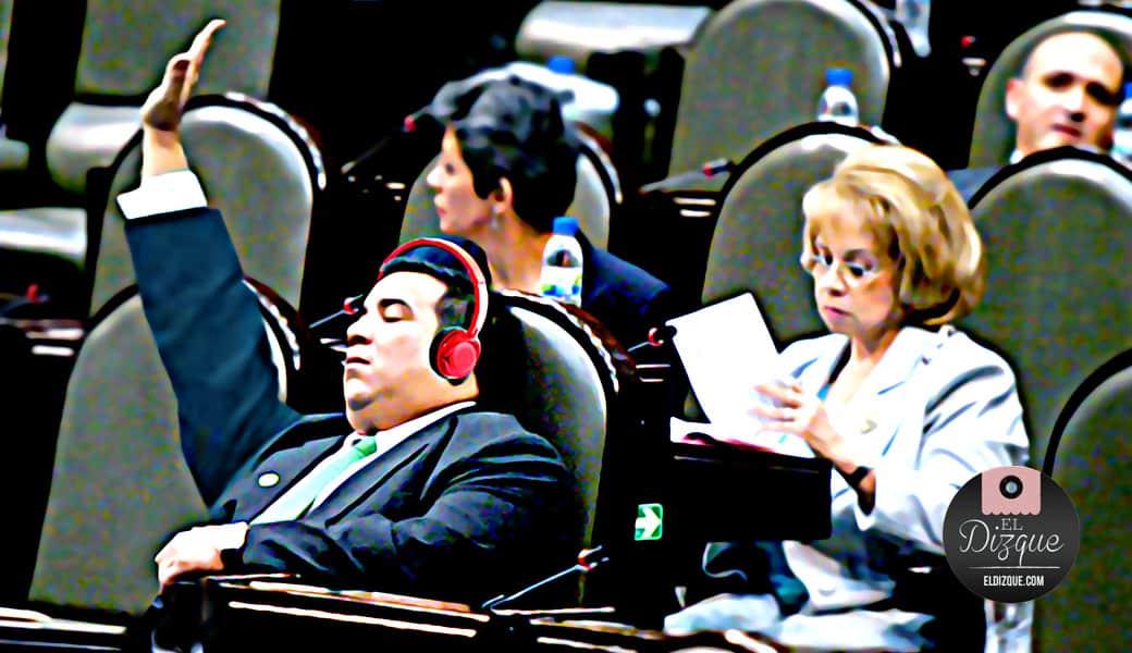Inventan un revolucionario sistema para que los diputados puedan legislar mientras duermen 2