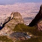 Encuentran uranio en el Cerro de la Silla — Comienza licitación para explotarlo 13