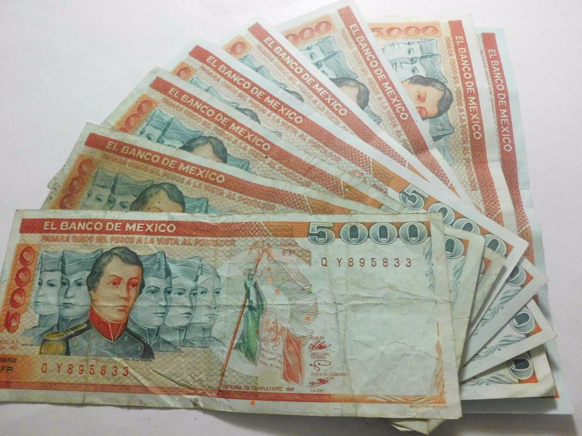El Generalísimo Santa Anna también dijo que saldrán de circulación los billetes con la imagen de los decepcionantes Niños Héroes.
