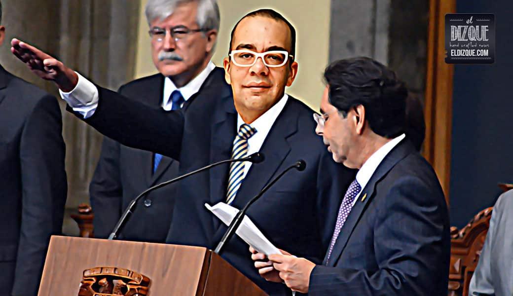 Nicolás Alvarado queda fuera de TV UNAM — A partir de mañana será el nuevo rector 8
