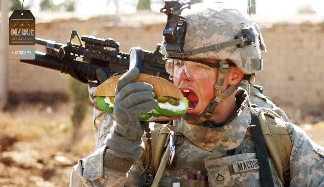 """Miles de desertores en el ejército de EUA se revelan contra Trump: """"¡Nos gusta la cerveza fría, la tele fuerte y las tortas con aguacate!"""" 1"""