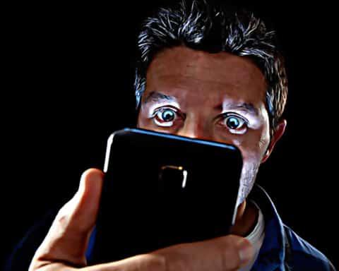Descubren la relación entre los teléfonos celulares y el cáncer 2