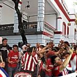 Seguidores de las Chivas le piden a AMLO que los ayude a ganar 3
