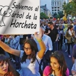 Grupos de jóvenes se manifiestan para salvar al agua de horchata 4