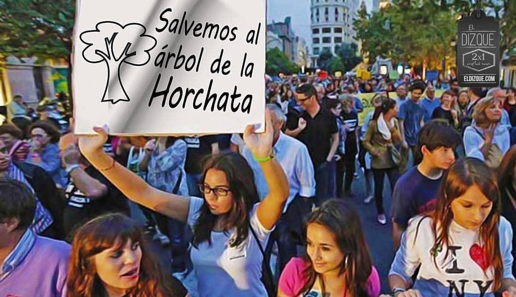 Grupos de jóvenes se manifiestan para salvar al agua de horchata 1